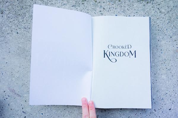 Herzenswelten Kaz Brekker Crooked Kingdom Titelseite